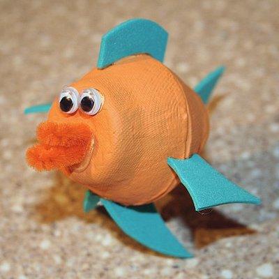 http://www.painelcriativo.com.br/wp-content/uploads/2010/05/ideia-reciclagem-caixa-de-ovos-animais-fundo-do-mar-6.jpg