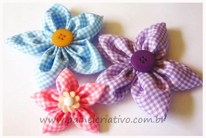 http://www.painelcriativo.com.br/wp-content/uploads/2011/09/passo-a-passo-flor-fuxico-almofada-toalha-lembrancinha-pano-copa-chinelos-4.jpg