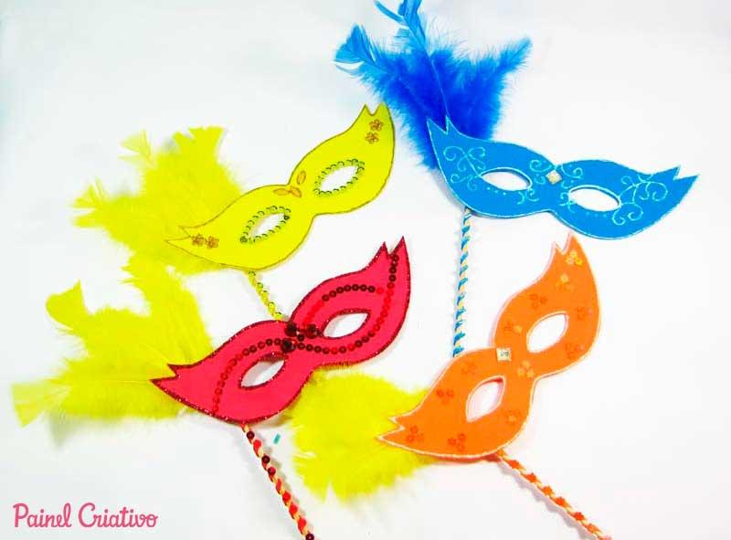 http://www.painelcriativo.com.br/wp-content/uploads/2013/02/passo-a-passo-mascara-carnaval-eva-2.jpg