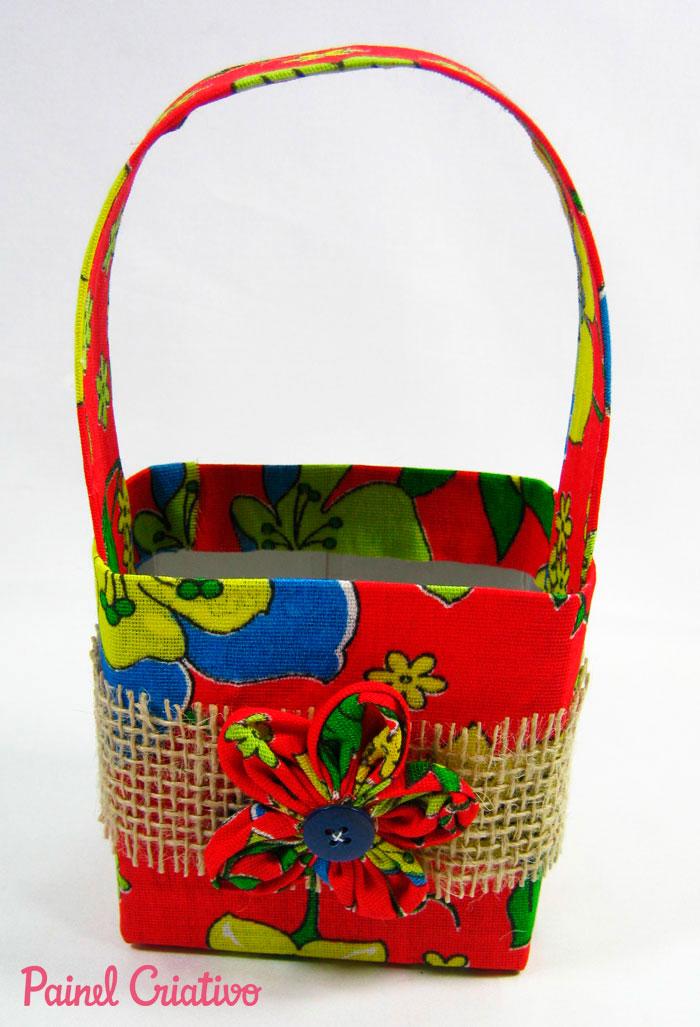passo a passo lembrancinha festa junina cestinha porta guloseimas reciclagem caixinha leite chita (2)