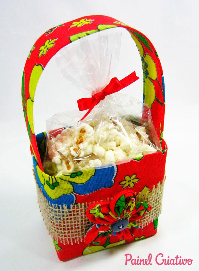 passo a passo lembrancinha festa junina cestinha porta guloseimas reciclagem caixinha leite chita (8)
