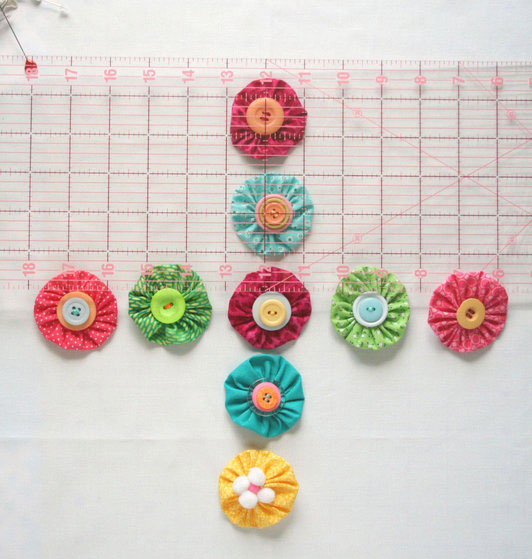 como-fazer-almofada-fuxico-decoracao-casa--(7)