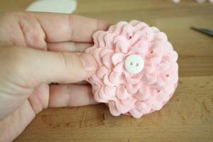 como fazer enfeite cabelo flor sianinha meninas (7)