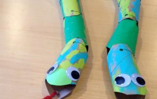 como fazer cobra rolinho papel higienico artes criancas (4)