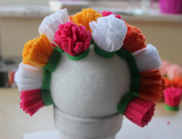 passo a passo arranjo flores feltro decoracao casa festa aniversario cha de bebe  casamento batizado (5)