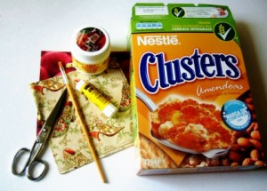 como fazer enfeites natal reciclado caixa cereal decoracao arvore natal tag presentes (2)