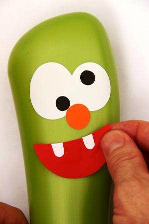 como fazer brinquedo reciclado boliche embalagem shampoo criancas reciclagem sala de aula (3)