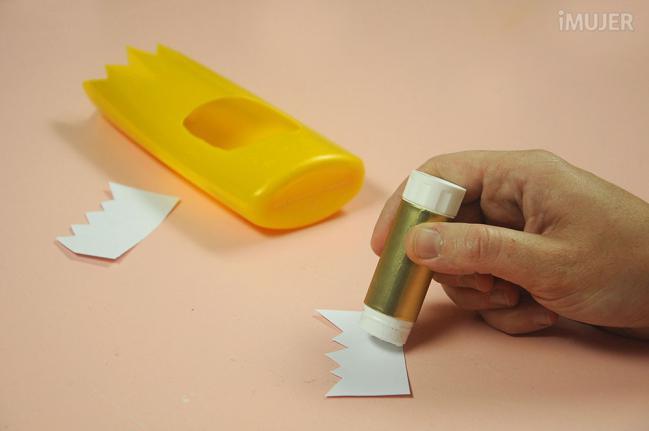 como fazer porta lapis embalagem de shampoo reciclagem alunos atividade escolar (6)