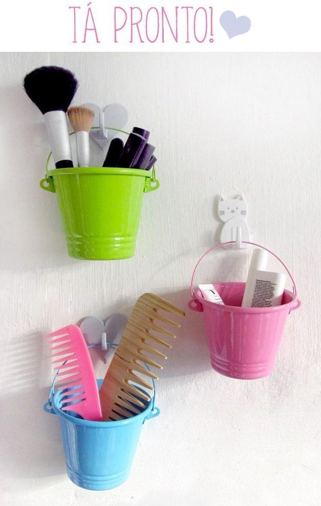 12 ideias truques organizacao casa ganchos cachepos porta trecos maquiagem (4)