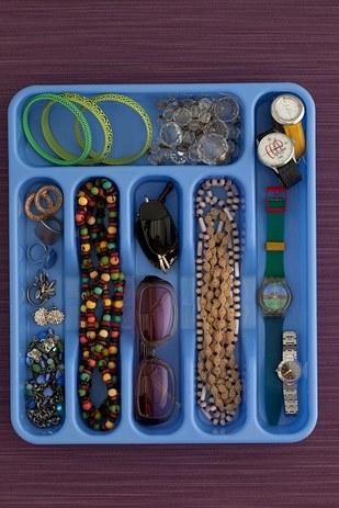 12 ideias truques organizacao casa porta talheres organizar bijuterias  (12)