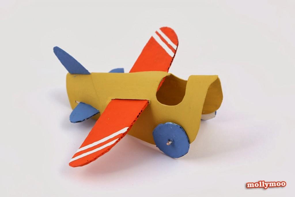 como fazer brinquedo reciclado aviaozinho rolinho papel higienico criancada brincar sala de aula  (3)