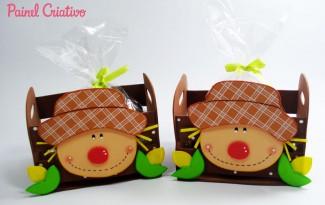 como fazer lembracinha festa junina eva mini caixote espantalho porta guloseimas escola decoracao junina enfeite mesa (3)