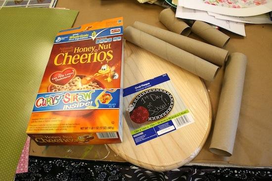 passo a passo organizador porta trecos caixa cereal e rolinho papel higienico organizar lapis canetas pinceis tesoura reciclagem (2)
