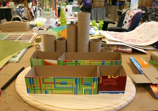 passo a passo organizador porta trecos caixa cereal e rolinho papel higienico organizar lapis canetas pinceis tesoura reciclagem (3)