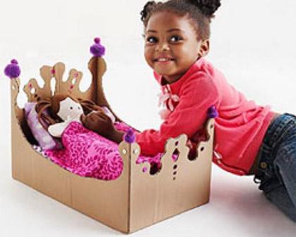 12 ideias brinquedos feitos caixa papelao reciclagem atividade criancas brincar em casa (5)