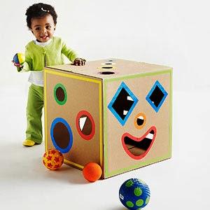 12 ideias brinquedos feitos caixa papelao reciclagem atividade criancas brincar em casa (6)