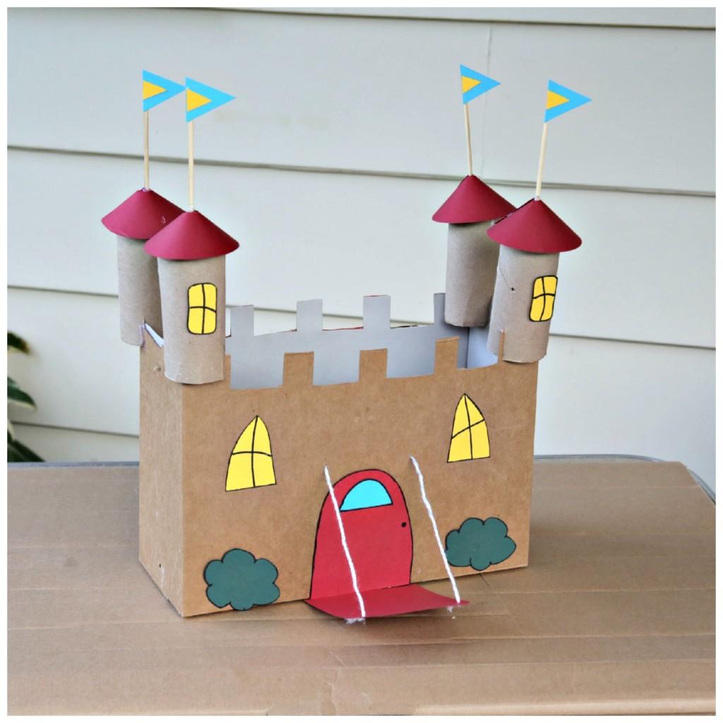 brinquedo reciclado castleo com caixa cereal rolinho papel criancas ferias