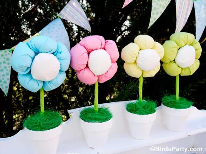 como-fazer-arranjo-flor-guardanapo-de-papel-decoracao-festa-infantil-4