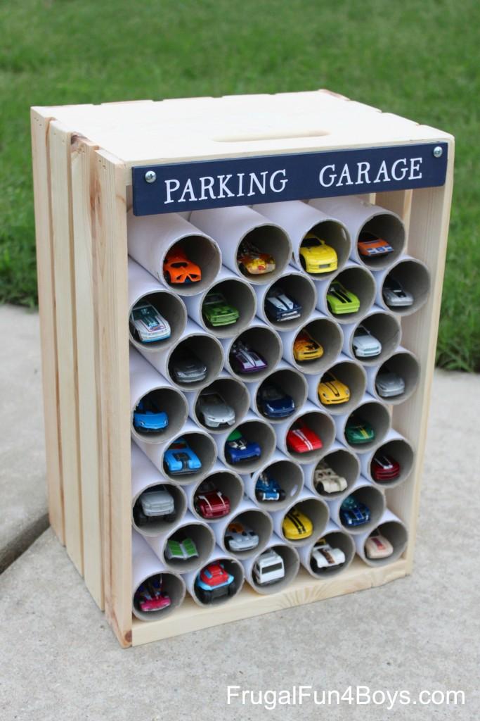como fazer garagem carrinhos pequenos criancas brinquedo reciclado 4