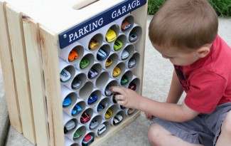 como fazer garagem carrinhos pequenos criancas brinquedo reciclado 5