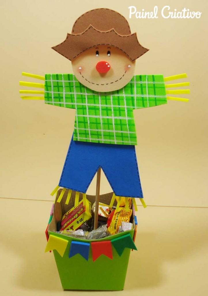 lembrancinha festa junina espantalho eva porta guloseima enfeite mesa criancas 2
