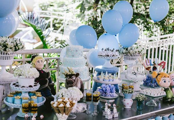 10 ideias criativas festa aniversario frozen princesa elsa olaf meninas deocracao mesa doces bolos (1)