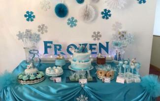 10 ideias criativas festa aniversario frozen princesa elsa olaf meninas deocracao mesa doces bolos (4)