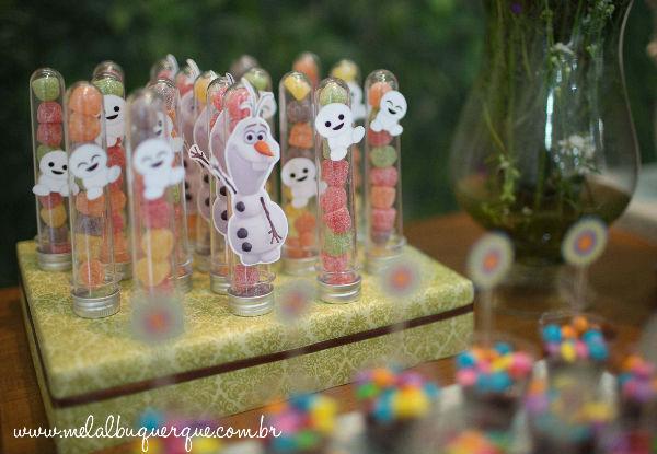10 ideias criativas festa aniversario frozen princesa elsa olaf meninas deocracao mesa doces bolos (9)