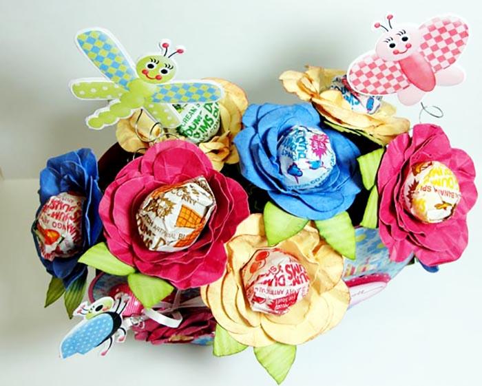 como fazer lembrancinha flor de papel porta pirulito dia das criancas dia maes dia professores decoracao festa aniversario mesa de doces (4)