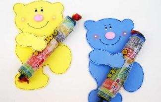 lembrancinha dia das criancas eva ursinho porta pirulito escola artesanato painel criativo 5