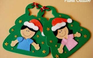 como fazer lembrancinha sacolinha arvore natal porta guloseimas menina menino EVA artesanato painel criativo 5
