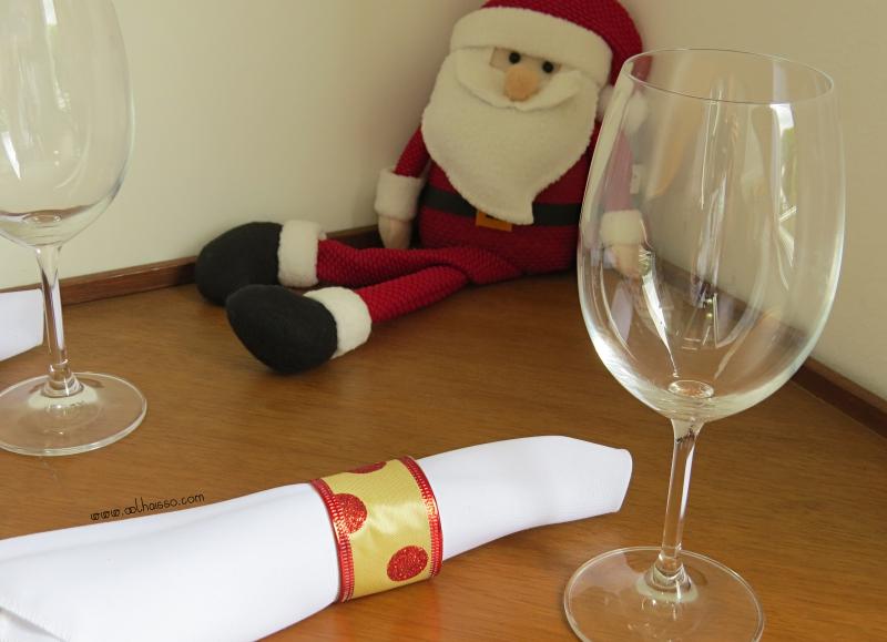 como fazer porta guardanapo natal  rolo papel higienico fita decorativa decoracao mesa natalina reciclagem 1