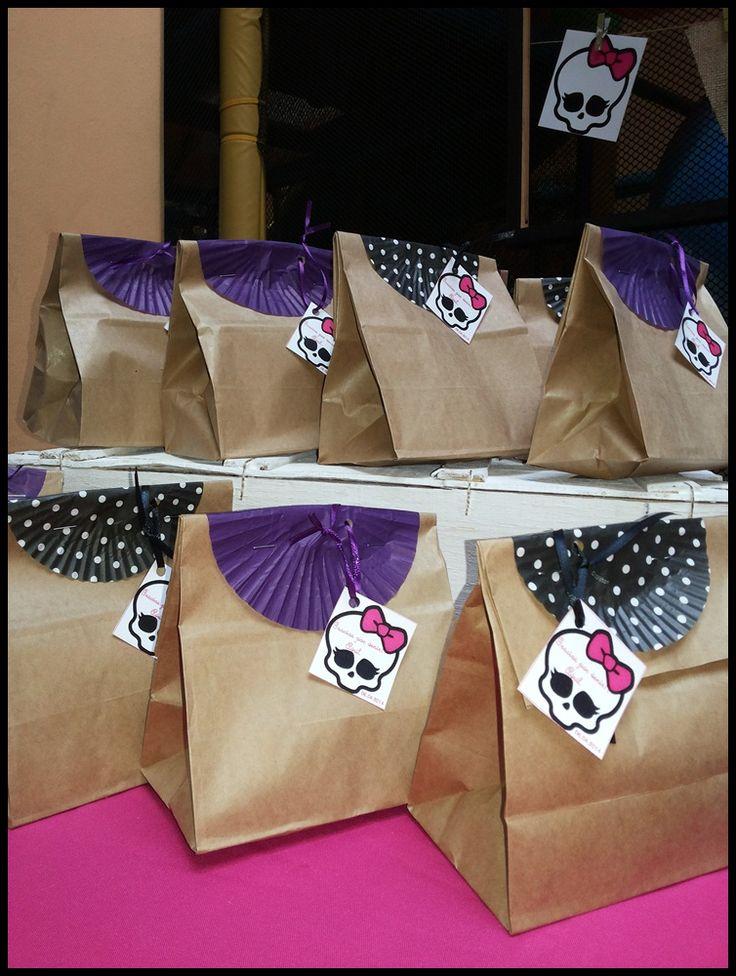 ideias decoracao festa aniversario monster high meninas monstrinhos girl 11