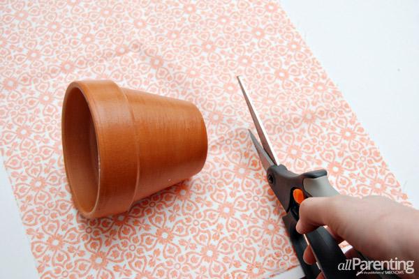 passo a passo vaso de flores decorado forrado com tecido 4