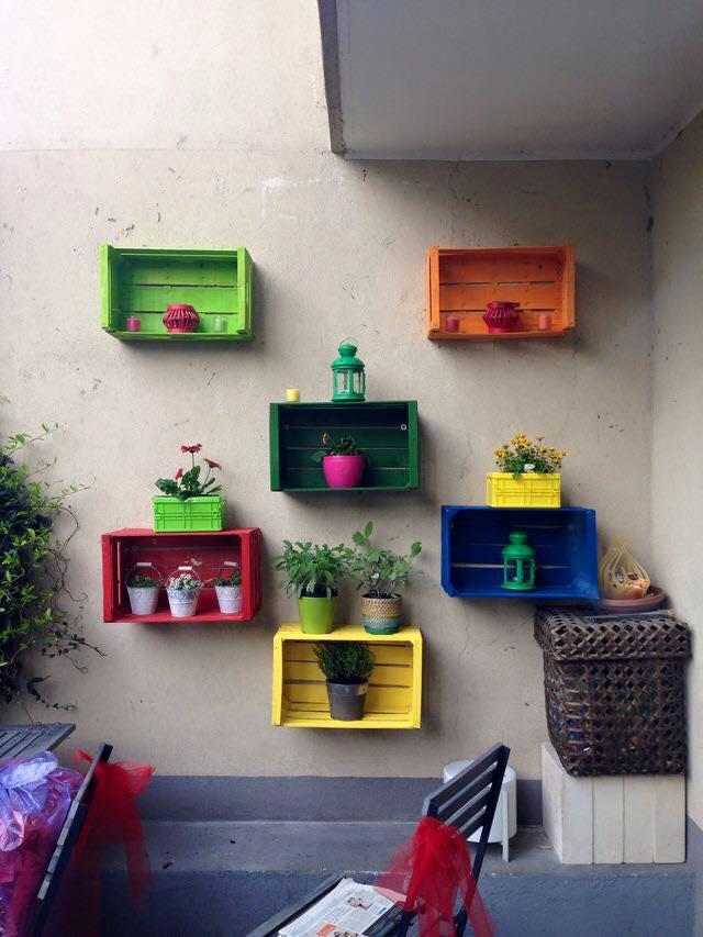 Reciclagem 9 ideias de estantes com caixotes de feira for Arredamento ludoteca prezzi