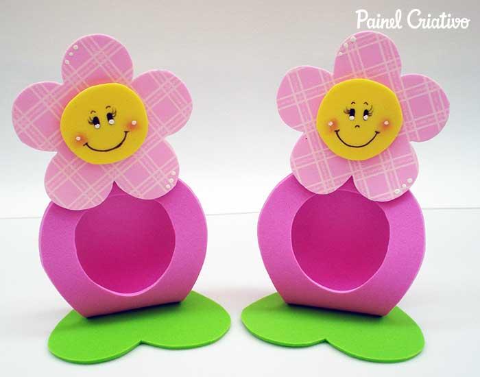 como fazer porta bombom da florzinha EVA lembrancinha festa aniversario dia das maes dia das criancas escola volta as aulas