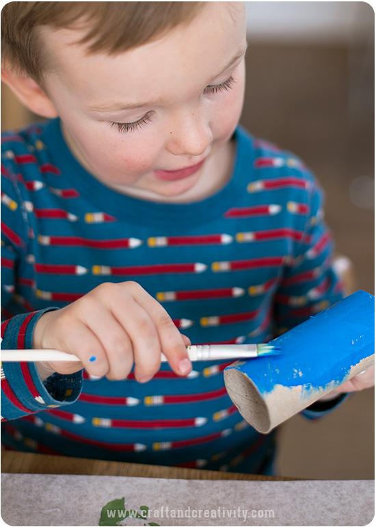 brinquedo reciclado como fazer foguetinho criancas escola rolo de papel higienico reciclagem atividade escolar 2