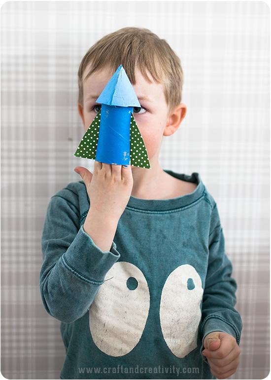 brinquedo reciclado como fazer foguetinho criancas escola rolo de papel higienico reciclagem atividade escolar 3