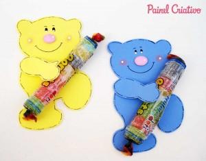 lembrancinha-dia-das-criancas-eva-ursinho-porta-pirulito-escola-artesanato-painel-criativo-5