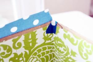 passo a passo organizador caixa papelão forrado tecido casa guardar roupas brinquedos 4