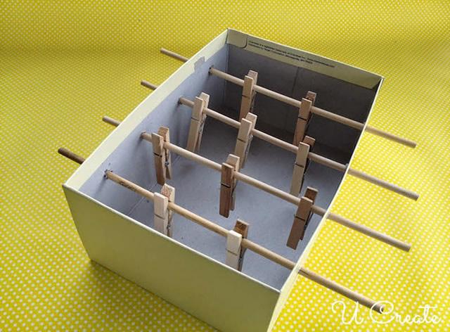 brinquedo reciclado mesa pebolim toto caixa sapato criancas 2