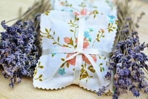 7 ideias lembrancinhas casamento criativas sache perfumado