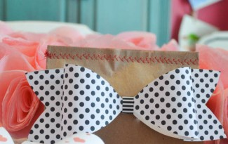 como fazer laco papel lembrancinha sacolinha presentes aniversario