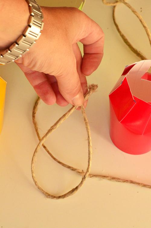 como fazer lembrancinha copo descartavel maca festa infantil volta as aulas escola kids 5