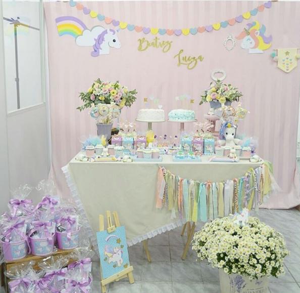 15 Ideias de Festa de Aniversário Unicórnio Painel Criativo # Decoração De Festa Unicórnio Infantil